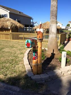 Aloha mailbox w/Pelican