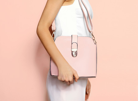 11 Things A Woman Should Carry In Her bag