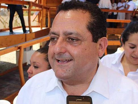 Gobernador Carlos Mendoza Davis, de los mandatarios mejor aprobados en el país de acuerdo a encues