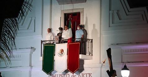 Gobernador de BCS da el tradicional Grito de Independencia