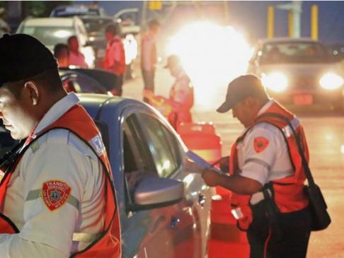 No prohibirán polarizado vehicular en Los Cabos