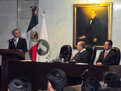 Plantea Morena en Senado combatir la corrupción, nepotismo y privilegios en jueces