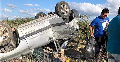 Volcadura en carretera transpeninsular Ciudad Constitución-La Paz; hubo 2 heridas