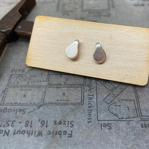Tiny price tag folded studs