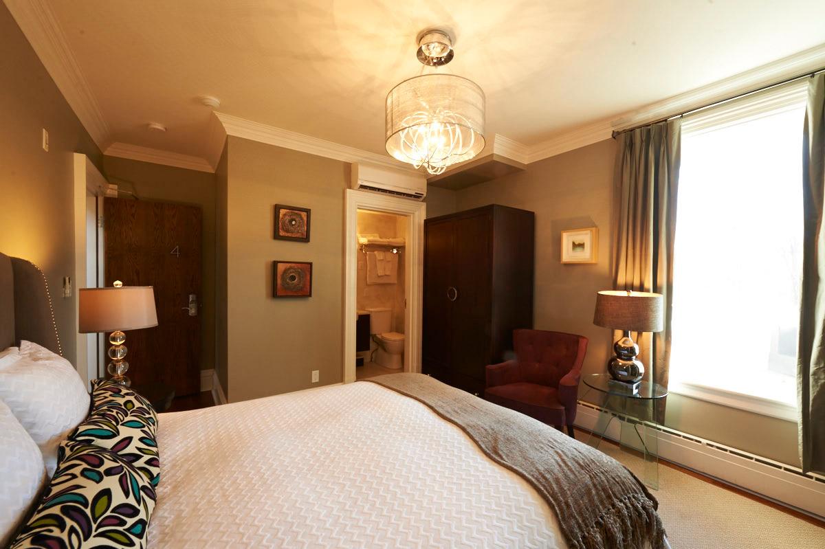 Balcony Room 4