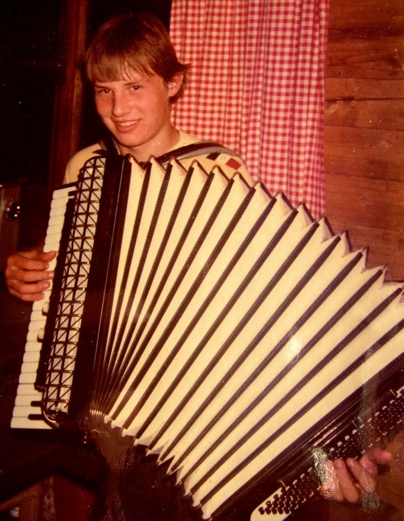 Hubert 1982 mit Hohner Akkordeon