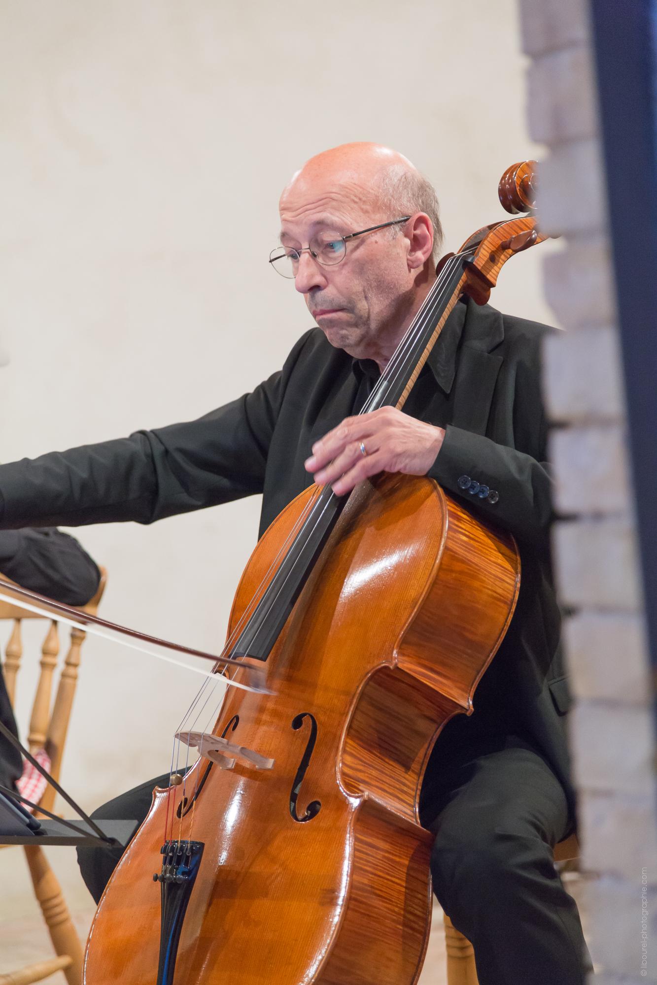 M. Roland Pidoux