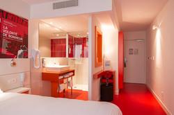 Agencement chambre d'hôtel Ibis