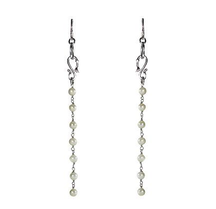 Long pearls earrings