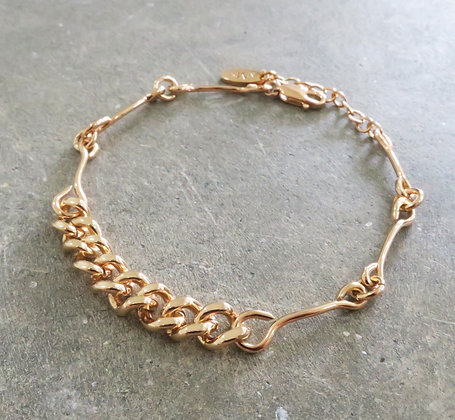 Pink gold chain bracelet eye pin handmade Middle M jewelry Bangkok