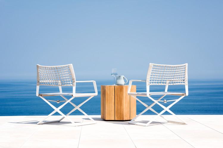 Regista easy chair white 01.jpg