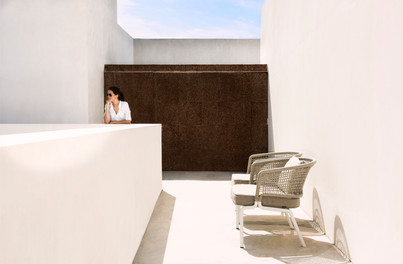 CTR clubchair white_linen_a S.jpg