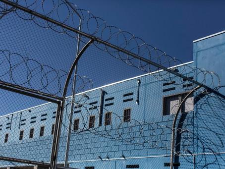 Detento deve contribuir ao INSS para que trabalho na prisão conte para aposentadoria.