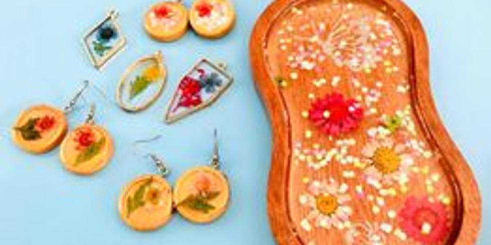 Karalee - Chapters - Learn to make Resin Keepsake Set - Earrings , Pendants , Trinket Box
