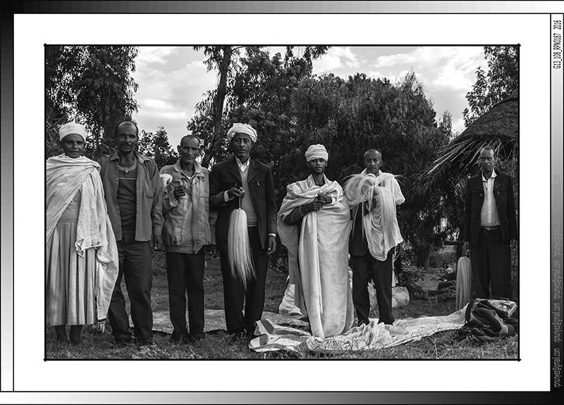 8 12 Familia de peregrinos Lalibela Etiopia 2016