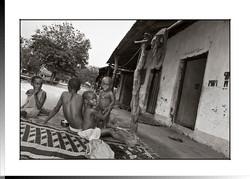 210 Hijos de Camboda en su venteón