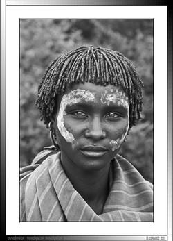13 10 Joven Banna de Yinya Etiopia 2014