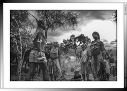 13 30 Fustigado ritual a jóvenes casaderas Yinya Etiopia 2014