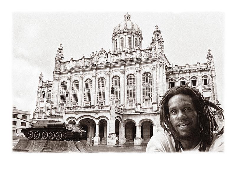 27_¡_Estudio,_trabajo_,_fusil_!_La_Habana,_Periodo_Especial_WEB