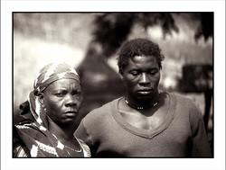 Ndega_y_su_madre__Poblado_Bassari_de_Salémata__Senegal_1986_WEB