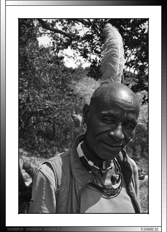 13 02 Tifa Dabo jefe de un clan Banna Yinya Etiopia 2014