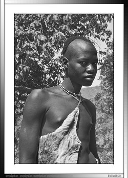 13 03 Joven Banna en el día de su ceremonia de iniciación Yinya Etiopia 2014
