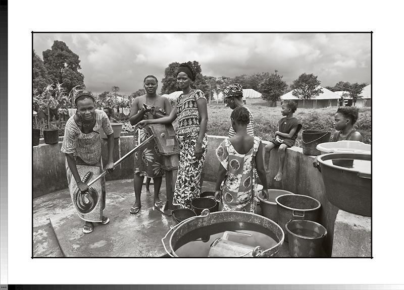 204 Nené, Dona y Sunkari en el pozo de Gambasse