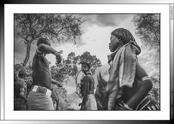 13 32 Fustigado ritual a jóvenes casaderas Yinya Etiopia 2014