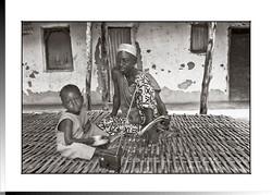 310  Mussa Casama con su hijo Combanden