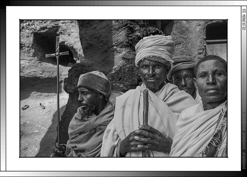 8 25 Familia de peregrinos en Lalibela Etiopia 2016