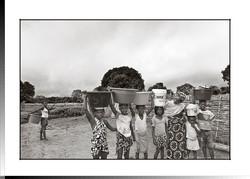 207 Nhama Camará 3ª esposa de Kandio con sus hijas