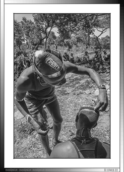 13 25 Peinados ceremoniales en Yinya Etiopia 2014