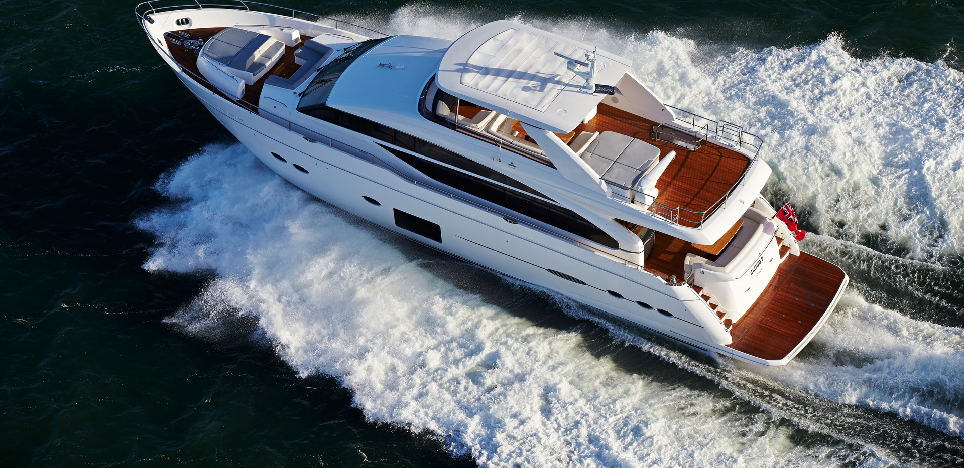 88-motor-yacht-exterior-white-hull-with-