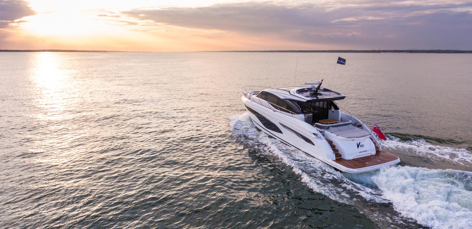 v60-exterior-white-hull-5Abromowitz Shar