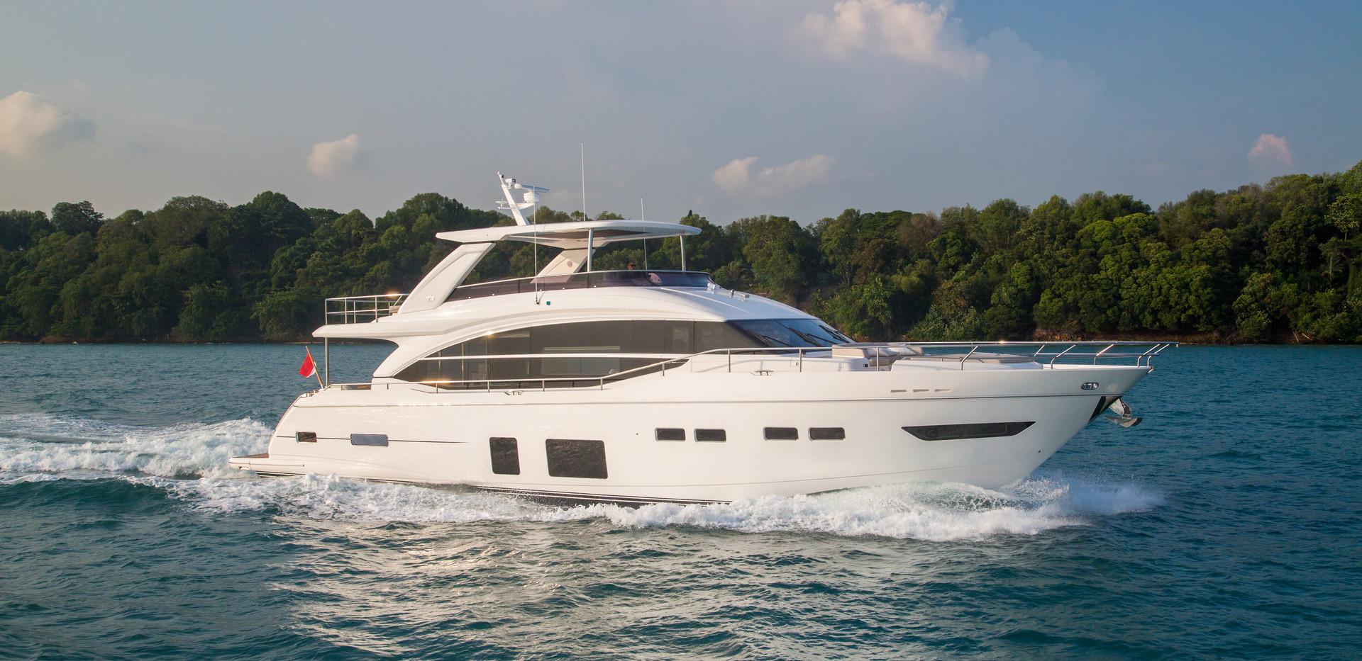 75-exterior-white-hull-1Abromowitz Sharp