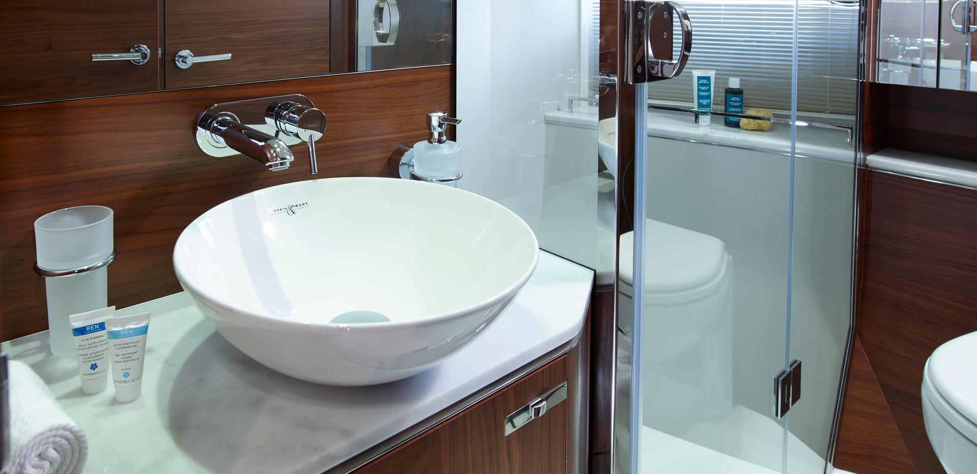 s65-interior-starboard-bathroom-american