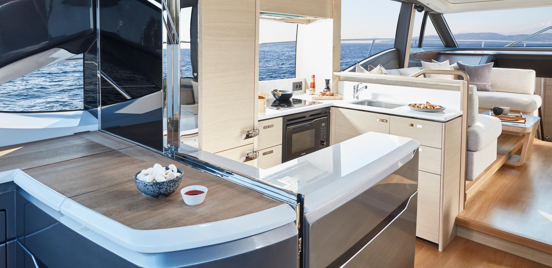 v60-interior-galley-alba-oak-satinAbromo
