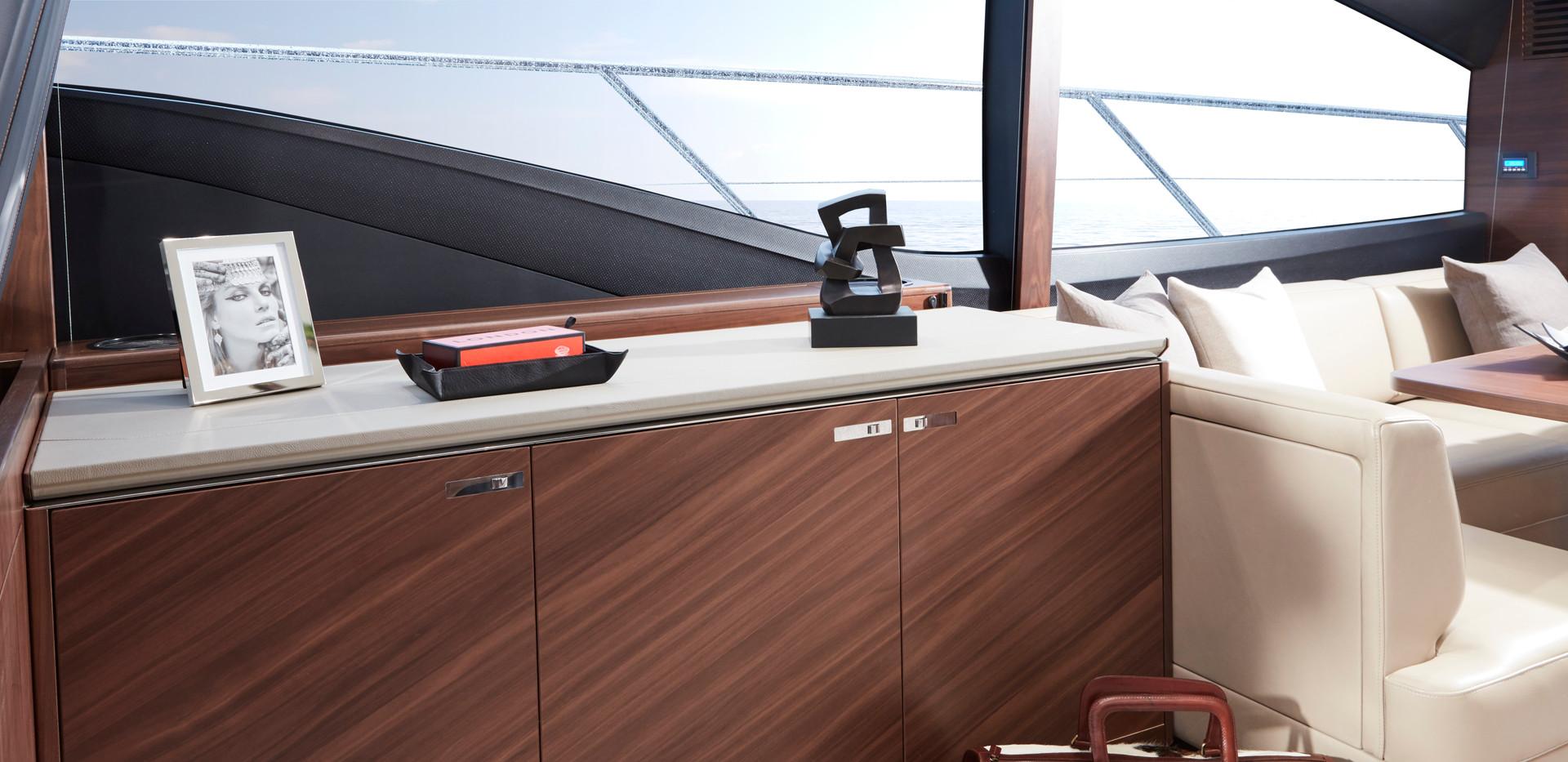 s60-interior-saloon-sideboard-american-w