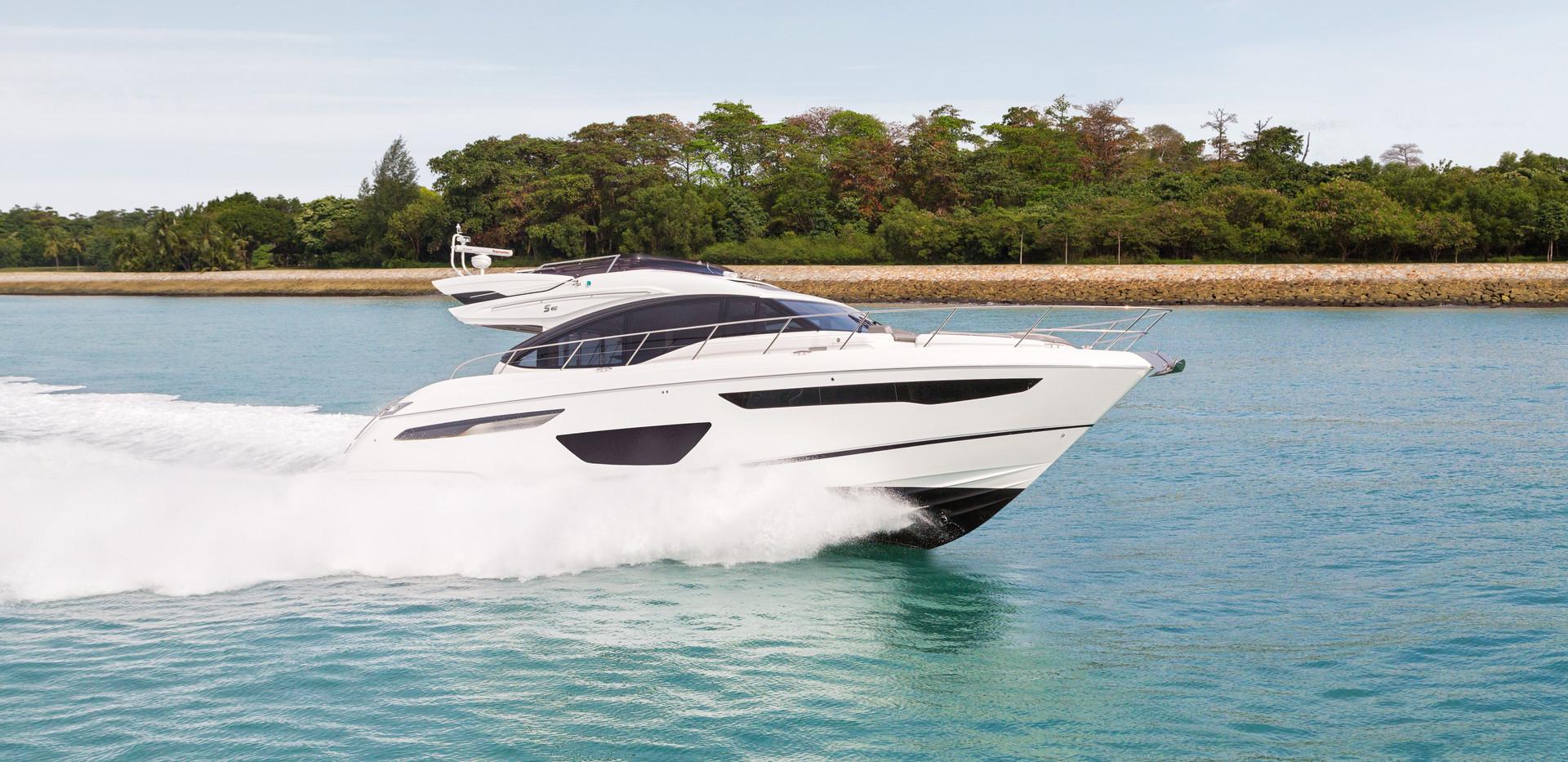 s60-exterior-white-hull-07Abromowitz Sha