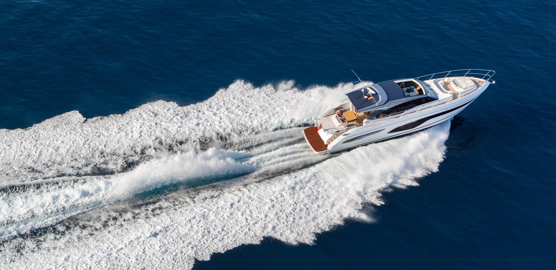 v65-exterior-white-hull-19Abromowitz Sha