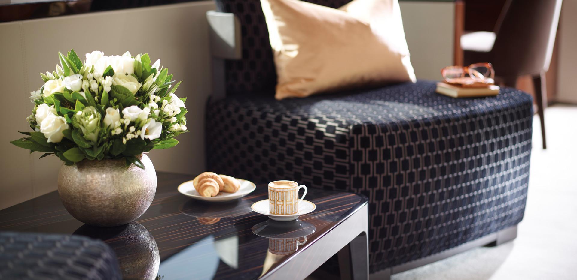 35m-interior-owners-suite-breakfast-area