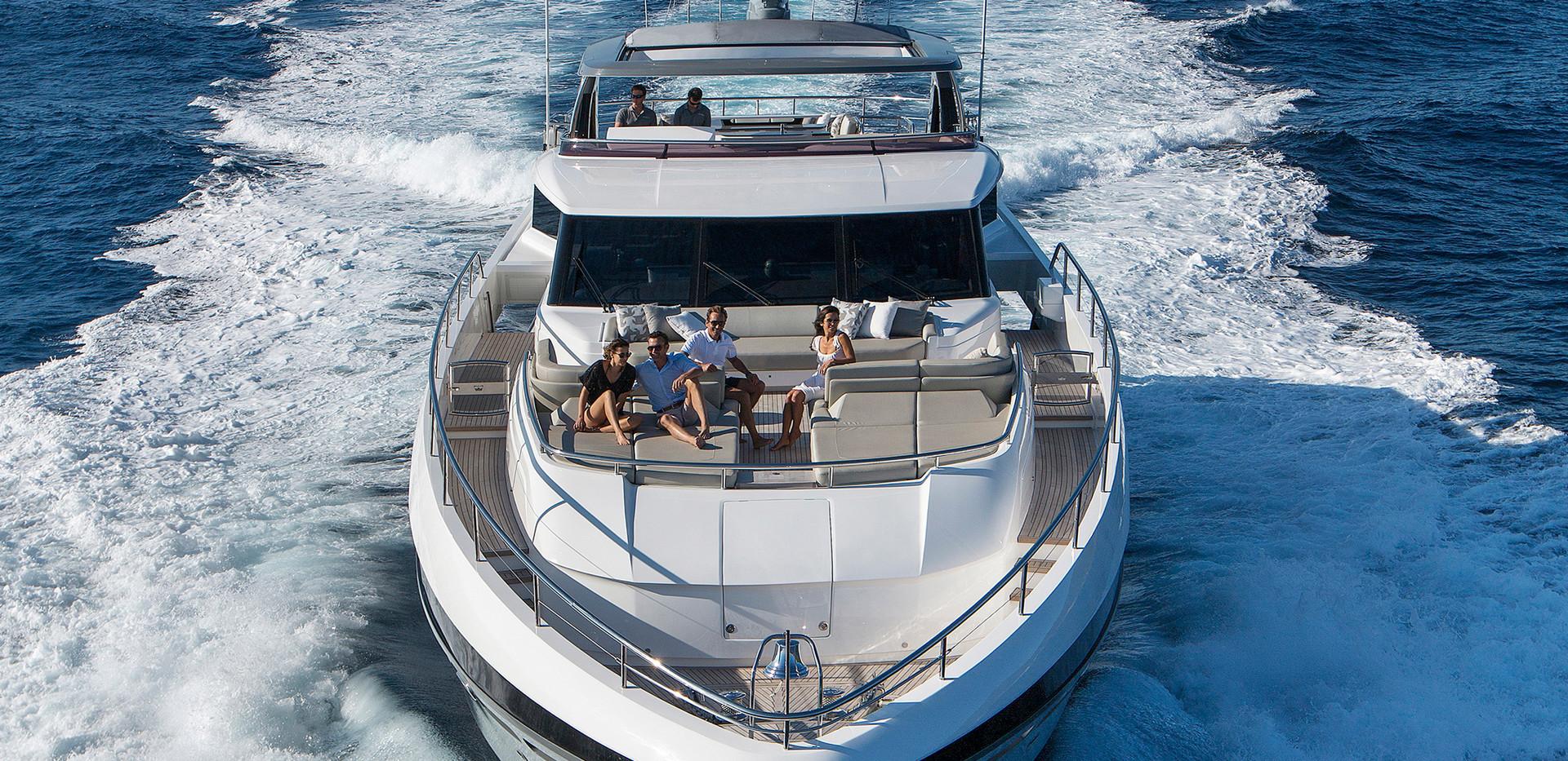 35m-exterior-grey-hull-17Yachtbrokers Pr