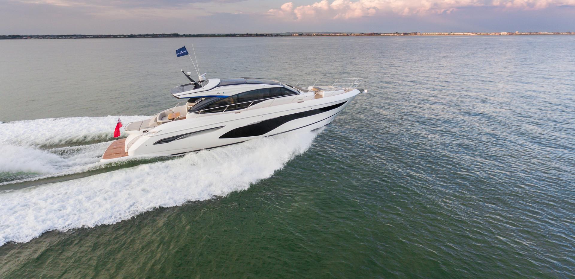 v60-exterior-white-hull-4Abromowitz Shar
