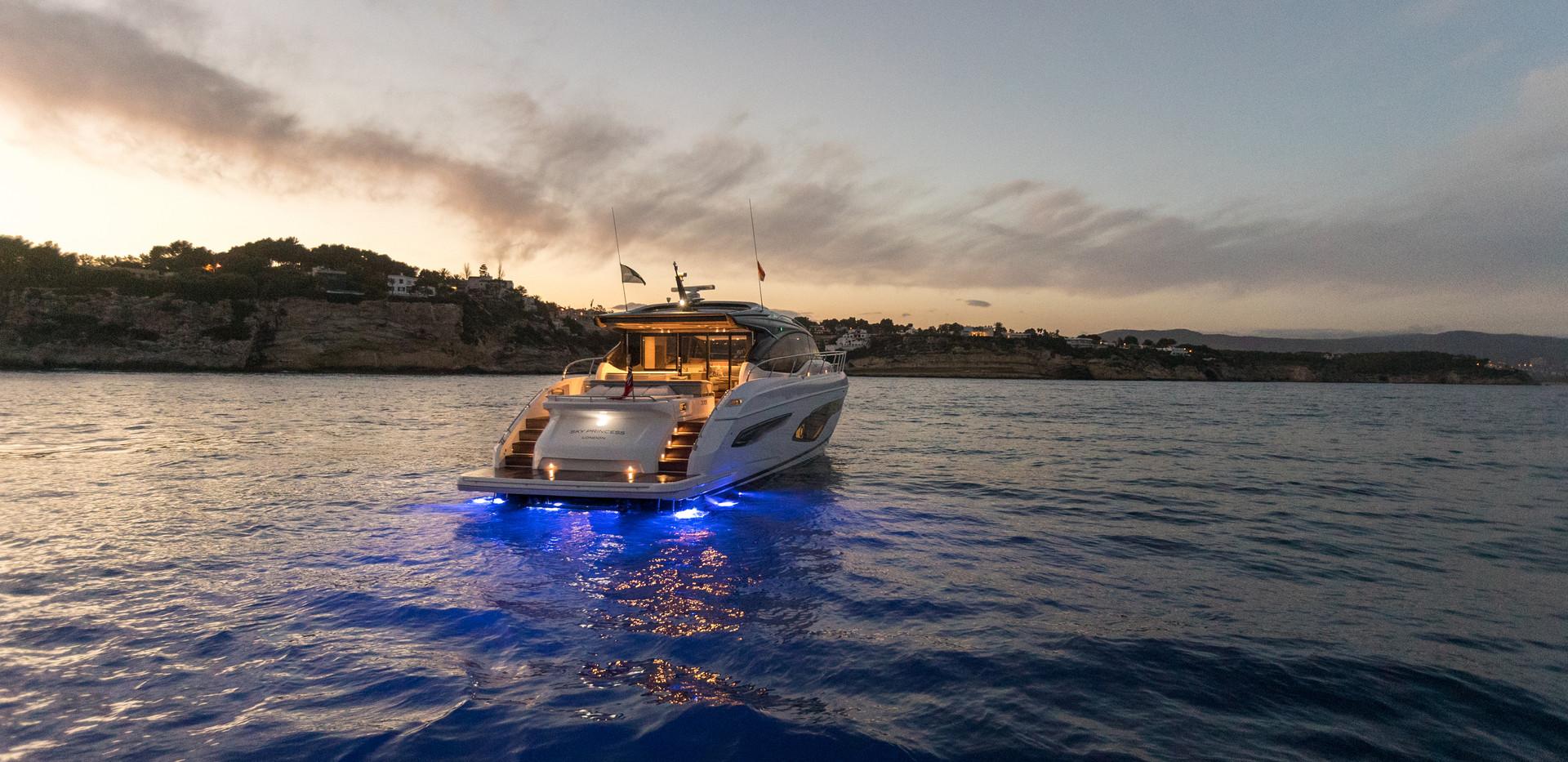 v65-exterior-white-hull-23Abromowitz Sha