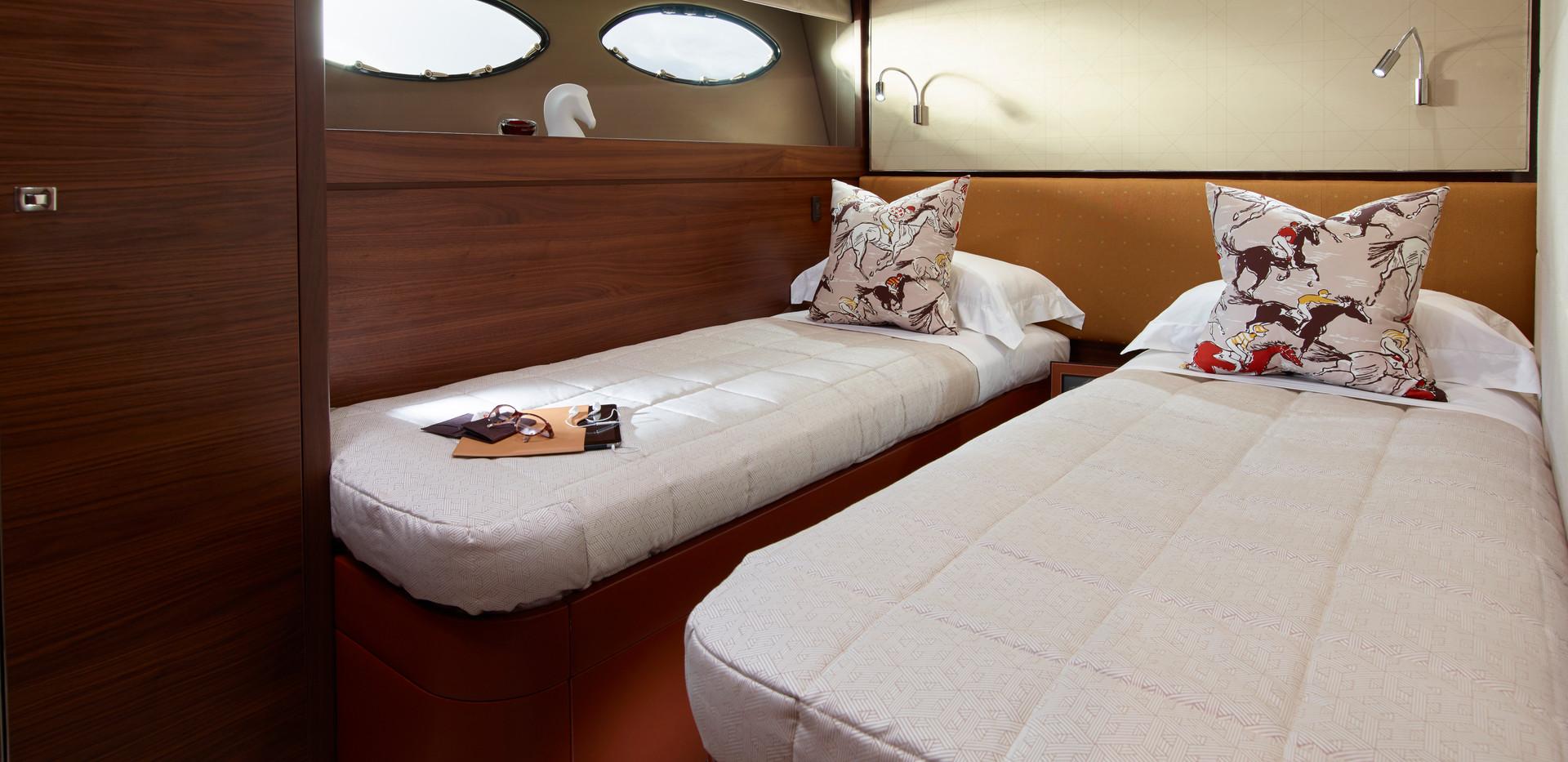 88-motor-yacht-interior-port-cabin-ameri