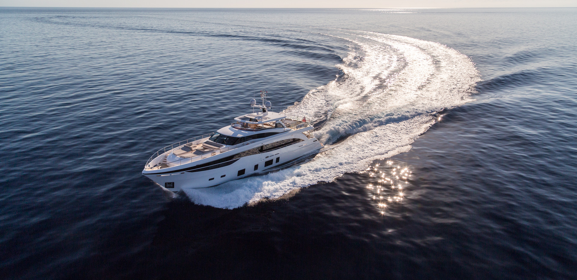 35m-exterior-white-hull-11Yachtbrokers P