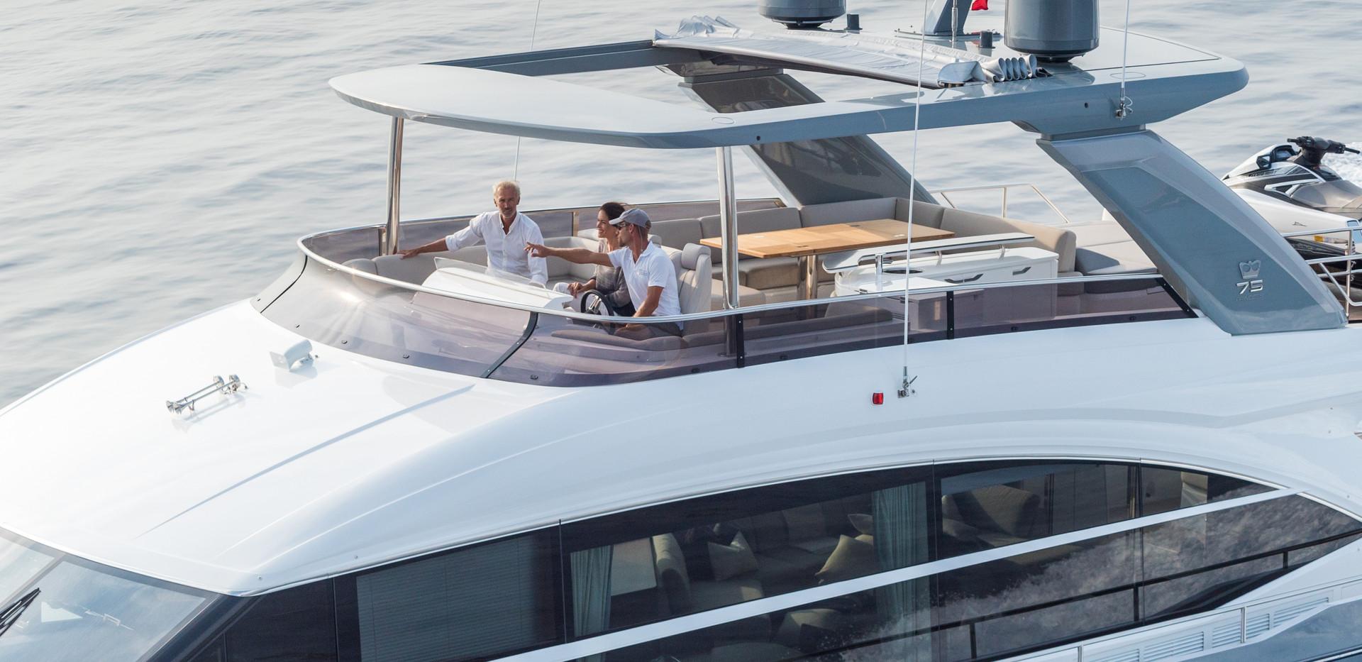 75-motor-yacht-exterior-grey-hull-16Abro