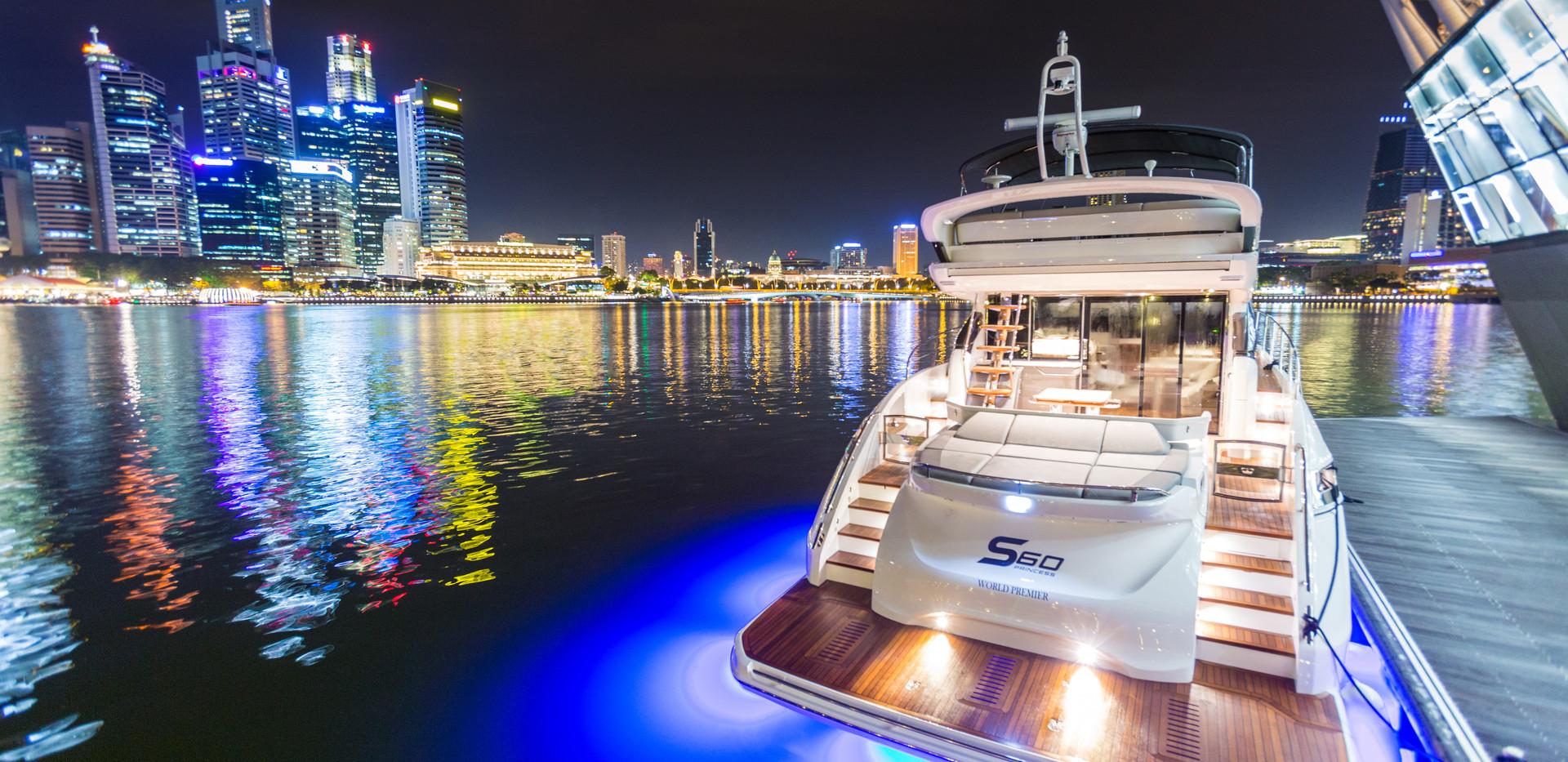 s60-exterior-white-hull-08Abromowitz Sha