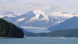 Near-Glacier-Bay-National-Park-Alaska-AK