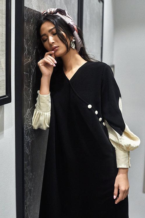 The 3 button sleeve Abaya